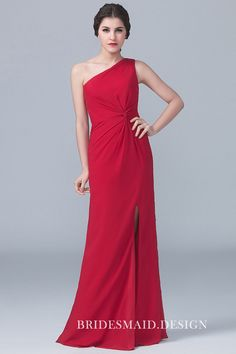Designer One Shoulder Sleeveless Red Sheath Long Chiffon Bridesmaid Dress Side Slit is for Sale! Buy One Shoulder Sleeveless Red Sheath Long Chiffon Bridesmaid Dress Side Slit at BridesmaidDesigners Now! Lace Bridesmaids Gowns, One Shoulder Bridesmaid Dresses, Affordable Bridesmaid Dresses, Burgundy Bridesmaid Dresses, Shoulder Dress, Robes D'occasion, Red Gowns, Party Dresses For Women, Party Gowns