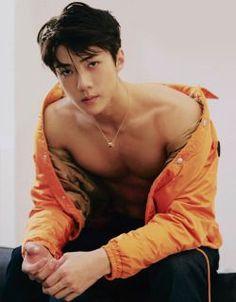 Sehun of EXO. I can see why that SM scout chased him down the street. I would chase him too. Chanyeol, Sehun Hot, Korean Men, Korean Actors, Kim Minseok, Kpop Exo, Exo Members, K Pop, K Idols