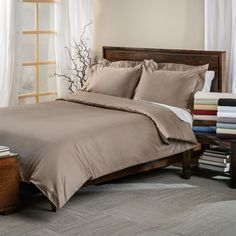 Egyptian Cotton 650 Thread Count Solid Sateen Finish 3-piece Duvet Cover Set - comes in solid black among other colors