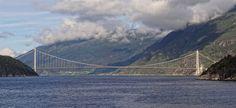 Hardangerbrua-August-2013.JPG