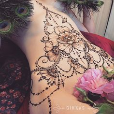 Henna tattoos are to go for in case you wish to try some designs before getting the same tattoo and not only. Go for it with henna! Stomach Tattoos Women, Belly Tattoos, Body Art Tattoos, Tribal Tattoos, Girl Tattoos, Tummy Tattoo, Lower Stomach Tattoos, Abdomen Tattoo, Tattoos Skull