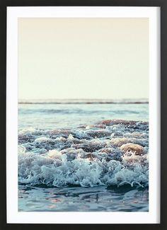 Pacific Ocean als Gerahmtes Poster von Leah Flores | JUNIQE