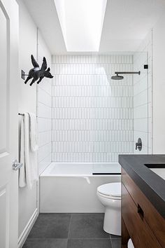 This Big Bathroom Trend Turns Traditional Subway Tile on Its Head Big Bathrooms, Small Bathroom, Master Bathroom, Modern Bathroom, Subway Tile Showers, Subway Tiles, Subway Tile Bathrooms, Subway Tile Patterns, Bad Inspiration