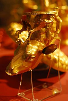 Rhyton, Gold ,thracian treasure <3