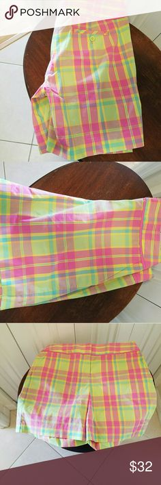 Lilly Pulitzer women's multi colored shorts size 6 Beautiful shorts, never worn. Multi colored. Lilly Pulitzer Shorts Skorts