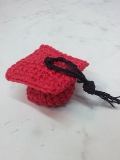 Cappello laurea realizzato a mano a uncinetto per informazioni