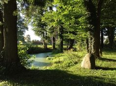 Park des Herrenhauses Goldenbow in Mecklenburg-Vorpommern (Familien von Lützow, von Schilden, von Bülow)