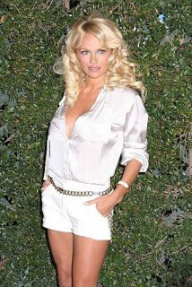 pictures of celebrities wearing satin blouses (and other blouses too) White Satin Blouse, Satin Blouses, Baywatch, Celebrity Pictures, Celebs, Female Celebrities, White Shorts, Short Dresses, Lady
