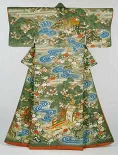 Women's kimono (Kosode) from the late 19th century, Japan (Meiji Period). Philadelphia Museum of Art