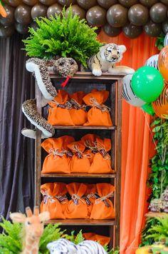 New baby shower ides for boys lion king birthday parties ideas - Marla Safari Theme Birthday, Jungle Theme Parties, Safari Party, Jungle Safari, Lion King Birthday, Baby First Birthday, Die Dinos Baby, Lion King Baby, Boy Baby Shower Themes