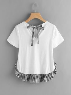 Shop Checkered Bow Back And Ruffle Trim Slub T-shirt online. SheIn offers Checkered Bow Back And Ruffle Trim Slub T-shirt & more to fit your fashionable needs. Tumblr Outfits, Chic Outfits, Diy Clothing, Sewing Clothes, Diy Fashion, Fashion Outfits, Womens Fashion, Cheap Fashion, Fashion Clothes
