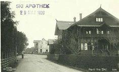 Akershus fylke Ski kommune  St Ski Apothek-20 på forsiden. Utg Carl Normann Stemplet 1920