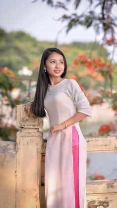 Female Character Inspiration, Beauty Girls, Ao Dai, Female Characters, Vietnam, High Neck Dress, Beautiful Women, Chinese, Dresses