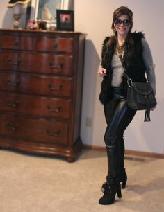 winter outfit, black leather outfit, fur vest | www.diyglamour.com #winteroutfit #outfit #leatherleggings #blackfurvest