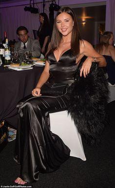 Shelby Tribble looks chic in black dress. Satin Saree, Satin Gown, Satin Dresses, Formal Dresses, Elegant Dresses For Women, Pretty Dresses, Beautiful Dresses, Silk Evening Gown, Evening Dresses