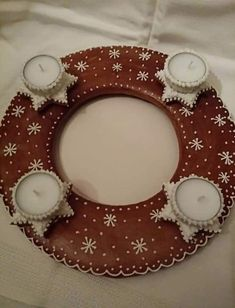 Advent Wreath, Border Design, Cookies Et Biscuits, Decoration, Cookie Decorating, Gingerbread Cookies, Diy And Crafts, Wreaths, Holiday Decor