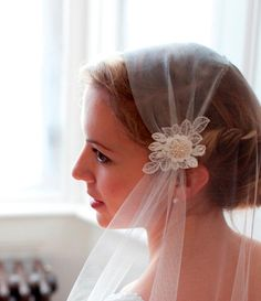 Vintage style Wedding Veil, Juliet Cap Veil in ivory or champagne tulle with lace .Single layer,chapel length, Great Gatsby Veil