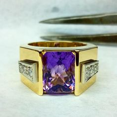 #handmade #mensring #amethyst  #18kgold #yellowgold #whitegold #diamonds #mensamethystring #amethystring #mensdiamondring #diamondring #handmadering #custommadering #custommadejewelry #handmadejewelry #handmadewithlove #purplering #bocaraton #palmbeach #delray #hillsborobeach #iloveamethyst #ilovegold #ilovediamonds #ootd #jewelry #instajewelry #jewelrygram #instagood #ilovejewelry by alexandrodevitta