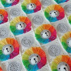 Omg this is the cutest thing ive ever seen! Rainbow Lion Baby Blanket - Learn how to make this incredible crocheted rainbow lion baby blanket.**add ears for a bear** crocheted rainbow lion baby blanket.Ravelry: Rainbow Lion Baby Blanket pattern by Dr Crochet Pillow, Crochet Blanket Patterns, Baby Blanket Crochet, Baby Patterns, Crochet Blankets, Baby Blankets, Love Crochet, Crochet Flowers, Knit Crochet