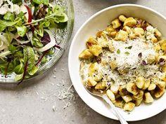 Timjangnocchi med syrlig äppelsallad och vitlöksstekt svamp Receptbild - Allt om Mat