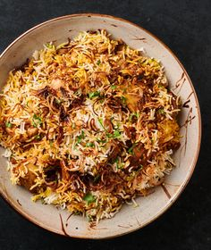 Restaurant style chicken biryani can be just as delicious as the traditional home style version but it's way easier and works every single time. Veggie Recipes, Indian Food Recipes, Cooking Recipes, Ethnic Recipes, Veggie Food, Rice Recipes, Cooking Tips, Chicken Biryani Recipe Indian, Indian Chicken