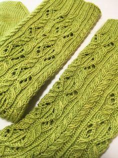 Ravelry: Woodland Sage Socks pattern by verybusymonkey Knitting Socks, Hand Knitting, Knit Socks, Women's Socks, Crochet Gloves, Crochet Yarn, Creative Knitting, Knitting Patterns Free, Free Pattern