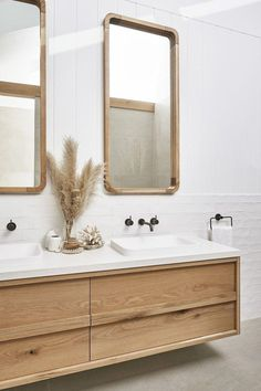Beautiful master bathroom decor some ideas. Modern Farmhouse, Rustic Modern, Classic, light and airy master bathroom design a few ideas. Bathroom makeover tips and bathroom renovation ideas. Bathroom Styling, Bathroom Interior Design, Bathroom Storage, Decor Interior Design, Bathroom Organization, Vanity Bathroom, Modern Interior, Bathroom Cabinets, Restroom Cabinets