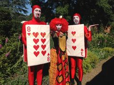 Walkabout fun Red Cards and Red Queen to hire for Alice in Wonderland themed corporate events, parties and weddings. Johnny Depp Mad Hatter, Uk Parties, Tea Party Table, Alice In Wonderland Party, Mad Hatter Tea, Walkabout, Red Queen, Party Entertainment, Through The Looking Glass