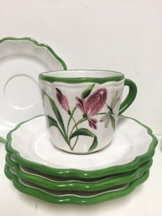 Fiori-Belli-by-Vietri-Italy-Set-of-2-cups-5-saucers-matching-2-cups-boxwood