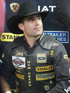 The PBR's 2013 season kicks off Friday – which cowboy do you have your eye on? Rodeo Cowboys, Hot Cowboys, Real Cowboys, Cowboy Girl, Cowboy Horse, Cowboy Up, Rodeo Events, Professional Bull Riders, Bucking Bulls