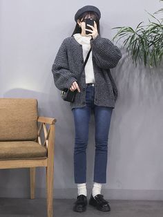 k daily fall & winter . ใ น ป 2019 fashion outfi Korean Fashion Summer Street Styles, Korean Fashion Office, Korean Fashion Shorts, Korean Fashion Ulzzang, Korean Fashion Winter, Korean Fashion Casual, Winter Fashion Casual, Winter Fashion Outfits, Korean Outfits