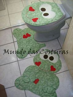 Going to do this in the guest bath Fabric Crafts, Sewing Crafts, Sewing Projects, Projects To Try, Bathroom Crafts, Bathroom Sets, Hanging Beds, Sewing Hacks, Diy And Crafts