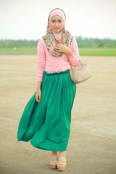 dian pelangi in pink green