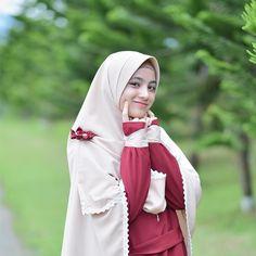 Tips Islami Memilih Calon Suami sesuai Syariat Agama Islam Arab Girls Hijab, Muslim Girls, Casual Hijab Outfit, Hijab Chic, Hijabi Girl, Girl Hijab, Beautiful Hijab, Beautiful Asian Girls, Hijab Fashion