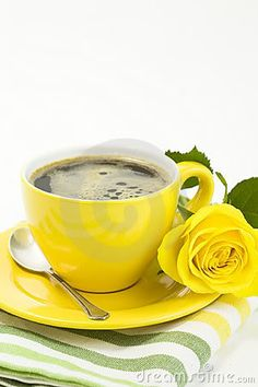 yellow and coffee, superrrrrr ; Good Morning Coffee, Coffee Break, Coffee Cafe, My Coffee, Yellow Cups, Oranges And Lemons, Good Morning Flowers, Coffee Photography, Yellow Roses