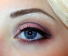 Love purple eyes? Us too! Check out @orglamix amazing purple 100% natural + healthy eyeshadow