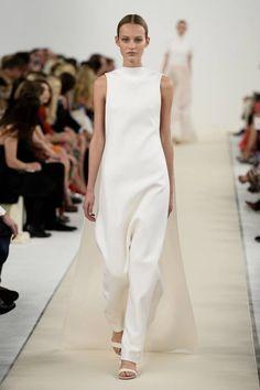 Valentino, collezione Haute Couture AI 2015   Tuta bianca elegante   Foto