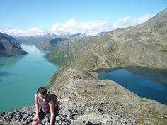 Hike the Besseggen ridge from Memurubu to Gjendesheim (13,4 km) in Jotunheimen NP - Norway