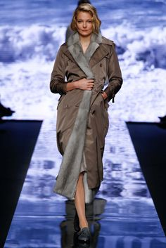 Max Mara - Fall 2015 Ready-to-Wear - Look 27 of 41?url=http://www.style.com/slideshows/fashion-shows/fall-2015-ready-to-wear/max-mara/collection/27