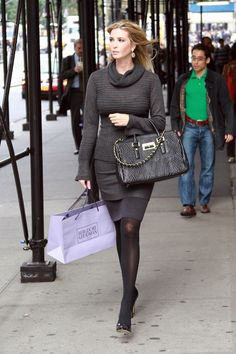 Ivanka Trump in pantyhose and tights showing her rich curves Ivanka Marie Trump, Ivanka Trump Style, Kate Middleton Jeans, Fashion Tights, Nice Legs, Black Tights, Sexy Legs, Business Women, Fashion Models