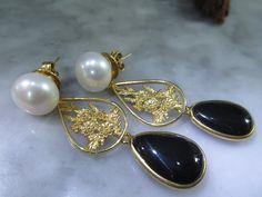 Classic Perlenohrstecker mal anders..., Romantik , elegant, glamouroes und echte schöne Onyx Tropfen Edelsteine im Cabochon Schliff,  feine handgearbeitete Fassungen. Die echten ca 12 mm grossen...