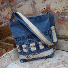 30 variants of bags made from old jeans | PicturesCrafts.com
