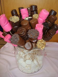 Three tiered chocolate covered marshmallows with chocolate drizzles, mini chocolate chips and nuts. Looks beautiful on individual party tables, dessert tables, or individually wrapped favors with ribbon. Chocolate Covered Treats, Chocolate Covered Marshmallows, Chocolate Covered Strawberries, Chocolate Dipped, Cake Chocolate, Chocolate Chips, Mini Desserts, Delicious Desserts, Dessert Original
