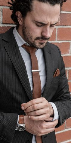 Charley Brown – Only the finest grain of high quality leather was used for this WEEF Boy Fashion, Mens Fashion, Gentlemen Wear, Brown Tie, Long Ties, Custom Ties, Skinny Ties, Suit And Tie, Gentleman