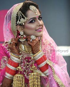 Pinterest: @pawank90 Indian Wedding Poses, Indian Wedding Couple Photography, Bridal Photography, Indian Weddings, Bengali Bride, Punjabi Bride, Indian Bridal Fashion, Indian Bridal Wear, Gold Lehenga Bridal