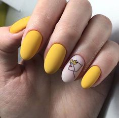 Move over, french manicure, it's time for Picasso nails and arty manicures! – Move over, french manicure, it's time for Picasso nails and arty manicures! Matte Nail Art, Cute Acrylic Nails, Fun Nails, Pretty Nails, Gel Nail Art, Classy Nails, Stylish Nails, Classy Nail Designs, Nail Art Designs