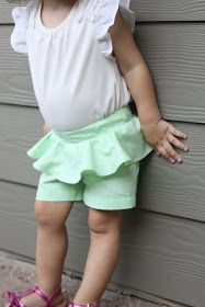 Small and Friendly featured my Peplum shorts on her top ten for Shorts on the Line! I did not originally plan to share a. Girls Summer Outfits, Summer Girls, Girl Outfits, Toddler Sewing Patterns, Sewing Ideas, Knitting Patterns, Shorts Tutorial, Tutorial Sewing, Couture