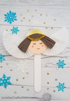 DIY Bastelidee: Süße Weihnachtsengel aus Eisstielen und Muffinförmchen basteln Spread peace and love all around with this Popsicle Stick Angel Craft for kids! Easy to make with basic supplies and things lying around your home. Christmas Angel Crafts, Popsicle Stick Christmas Crafts, Craft Stick Crafts, Preschool Crafts, Kids Christmas, Sunday School Crafts For Kids, Bible Crafts For Kids, Crafts For Teens To Make, Easy Toddler Crafts