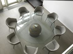 Furniture, Large Round Glass Diing Table Plus 8 Elegant Dining Chairs Applied In Wonderful Dining Room Design: Glass Dining Table In some At. Contemporary Dining Room Furniture, European Furniture, Modern Dining Chairs, Modern Furniture, Glass Round Dining Table, Dining Tables, Round Glass, E Piano, Dining Room Inspiration