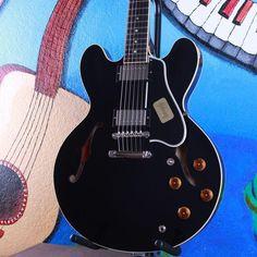 Gibson Custom Shop Nashville 1959 ES 335 Dot Plain Black Semi Hollow Body Guitar